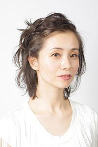 40代からの大人女性のヘアスタイル|セミロングにパーマの髪型