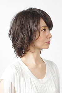 40代からの大人女性のヘアスタイル|セミロングにアレンジの髪型