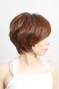 40代女性のヘアスタイル|メリハリのあるショートの髪型