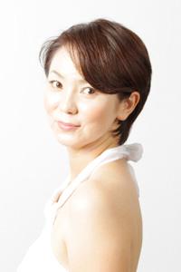 40代女性のヘアスタイル|潔いショートレイヤーの髪型