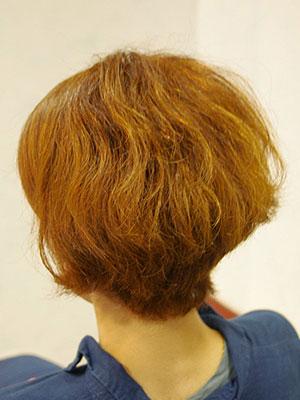 くせ毛をボリュームダウンするトリートメント東京の美容室yippee