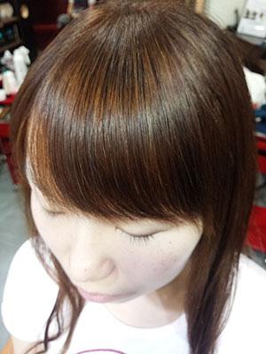 前髪のくせ毛を自然なストレート