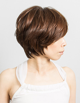 40代からの東京の美容室の髪型ショート3