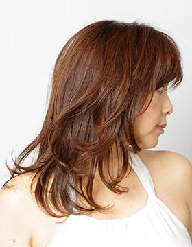 40代からの東京の美容室の髪型ロング1
