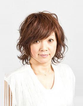 大人の東京の美容室のヘアスタイル ミディアム2