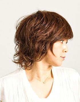 大人の東京の美容室のヘアスタイル ミディアム3