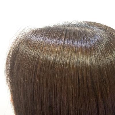 明るい白髪染めがオススメの東京の美容院ビフォア根元