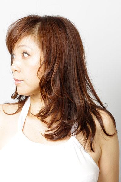 40代からの大人の女性に人気のヘアスタイル|エレガントなロングヘアーの髪型