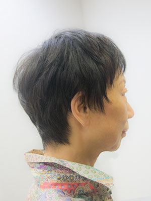 髪の細いくせ毛のショートを程よくまっすぐに