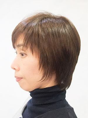 くせ毛のショートの自然な縮毛矯正する東京の美容室