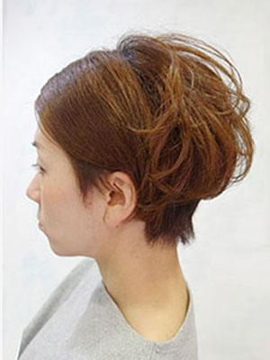 毛を生かした おしゃれな髪型にする東京原宿美容室yippee