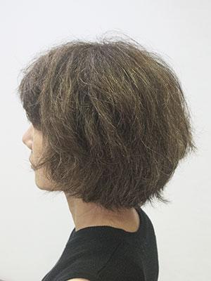 くせ毛の40代ショートカット