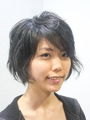ヘアスタイル髪型|初めてのパーマで大人っぽくイメチェン アフター画像
