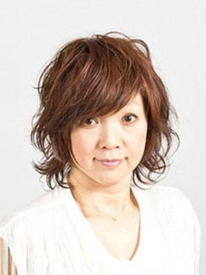 40代50代女性の髪型ツヤのあるミディアムヘアー
