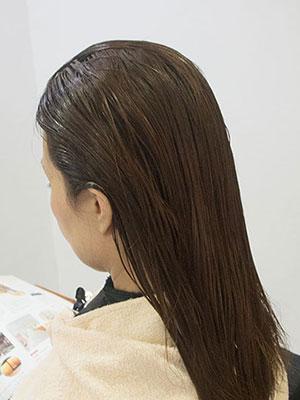 40代の暗い白髪染めを明るくするブリーチ風景
