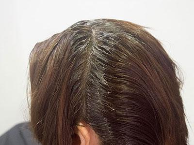 頭皮の刺激を避けるヘアカラー2