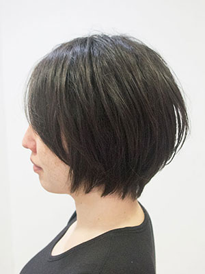 多くなくせ毛を生かしたヘアスタイル