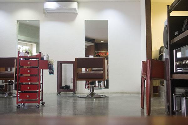 原宿40代からの小さな美容室落ち着いた内装