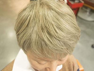 おしゃっれな白髪染めプラチナグレー