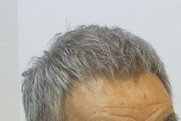 ダンディーな親父の白髪染めグレイ