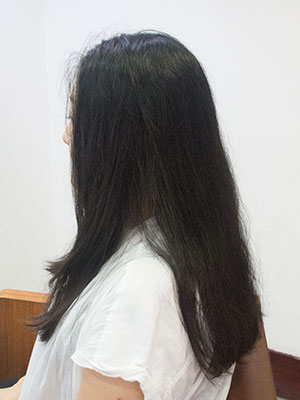 バサバサのロングヘアー