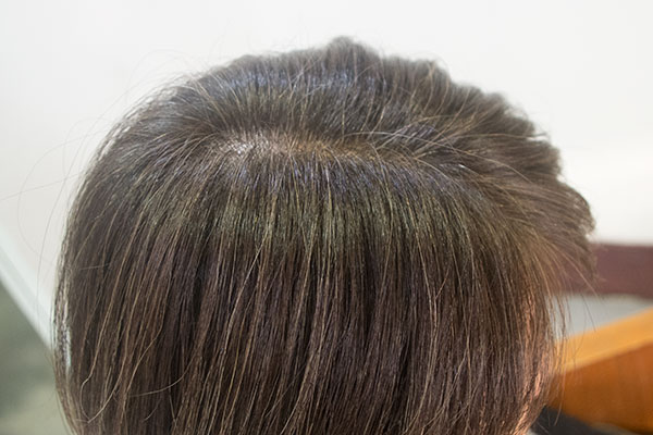 白髪染めの概念を変えるグレイヘア カラー
