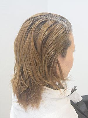 根元の白髪を明るく