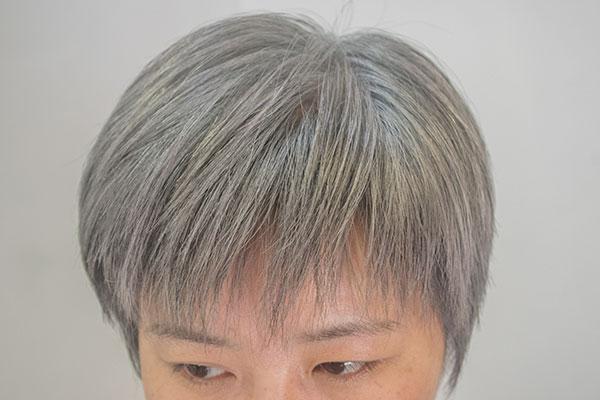 白髪をグレイに染める画像