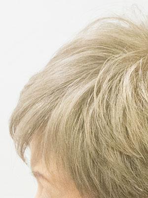 白髪8割の女性をミルクティー色