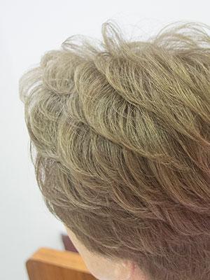 白髪7割の女性をを明るく染める