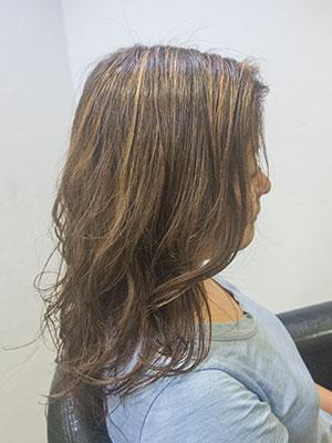 ネオグレイヘア 明るい白髪染めとハイライト